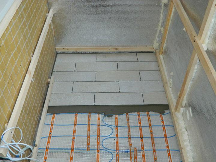 Использование плитки в качестве напольного покрытия на лоджии
