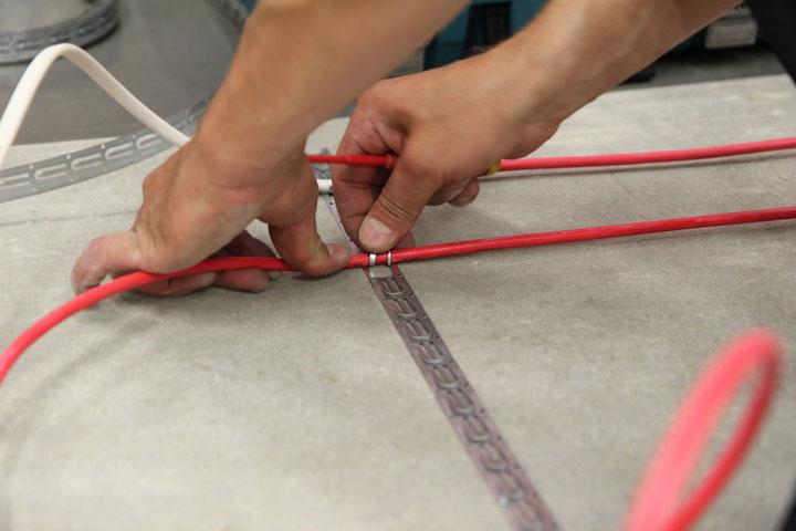 Вариант крепления кабеля