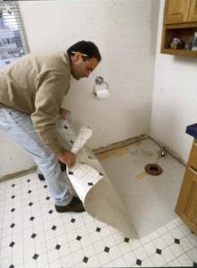 Линолеум на плитку в ванной или туалете